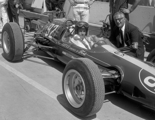 1963-8-18 Jim Clark & USAC Official Ray Pohn_648