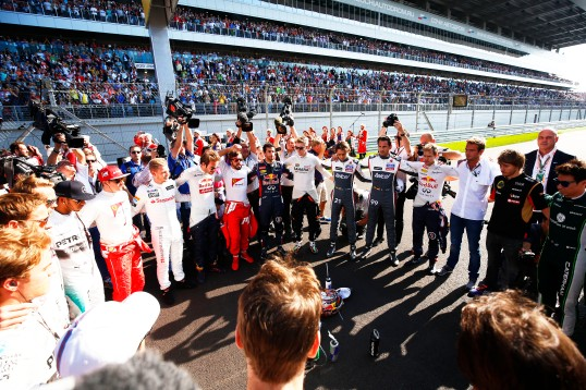 Drivers take silence for Jules Bianchi