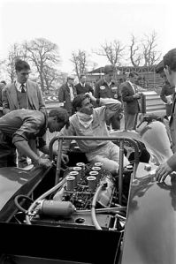 Ford_UK-02_05_30_001-Clark-65-Oulton-Park-Pits-450H